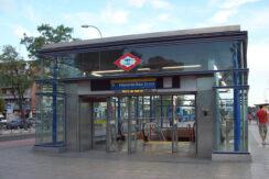1280px-Metro_de_Madrid_-_Villaverde_Bajo_Cruce_01