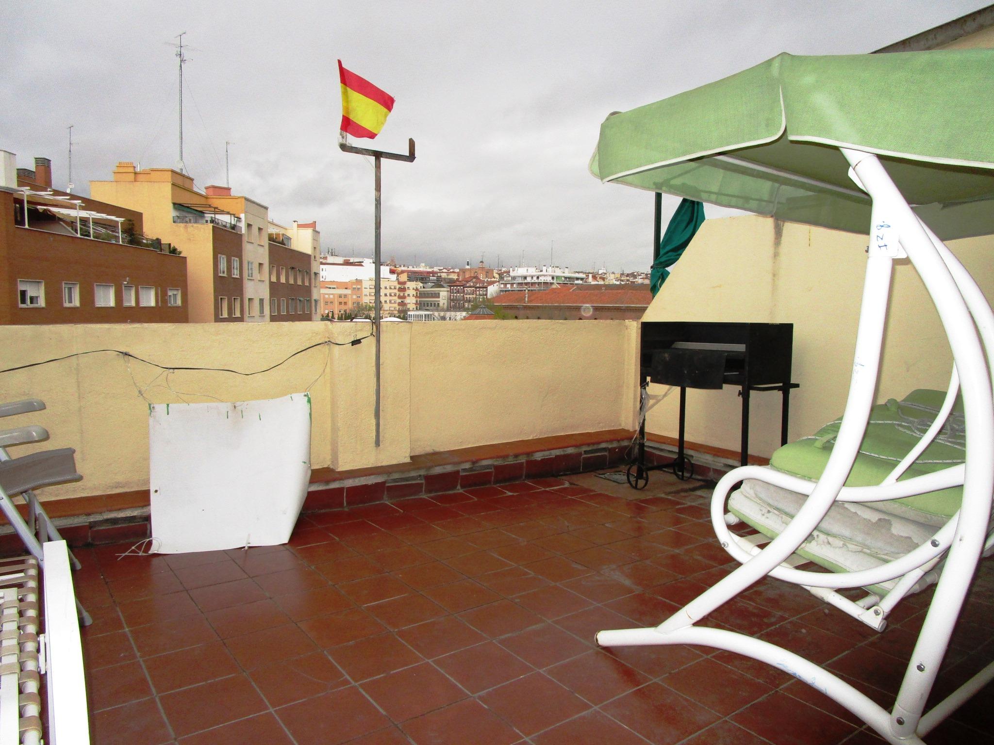 1367-ÁTICO EN MADRID CENTRO
