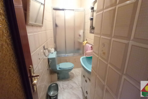 baño2-1-logo